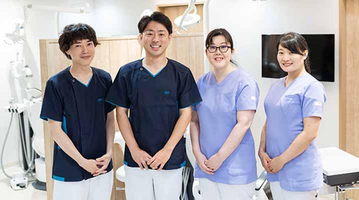 訪問歯科担当の歯科医師の集合写真